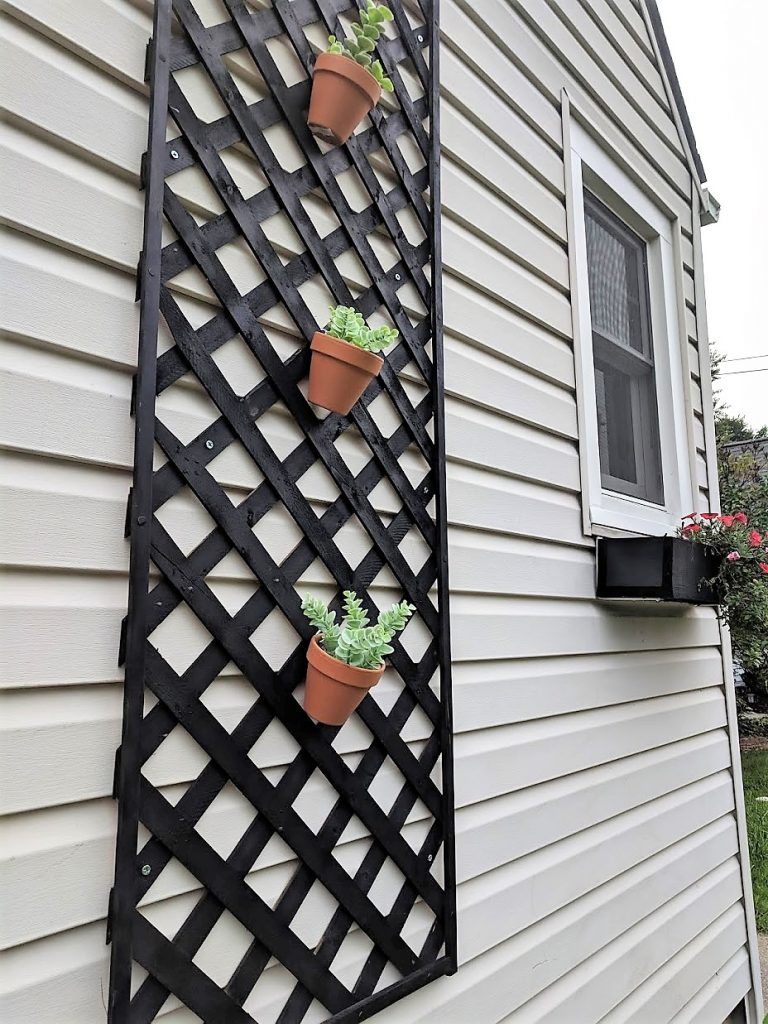 Does your house have an ugly exterior? Here's an idea to upgrade your curb appeal on the cheap!