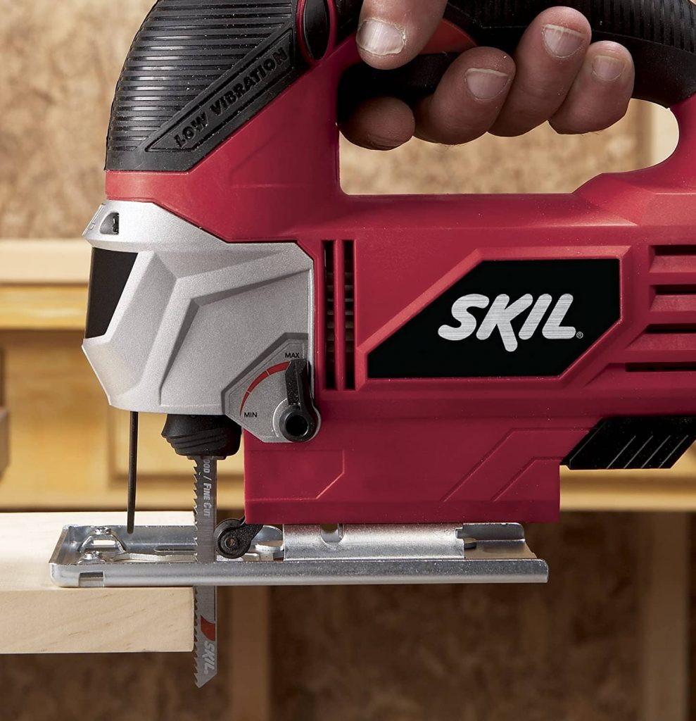 Make straight cuts with a jigsaw